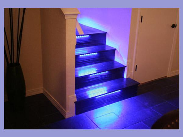 نور پردازی راه پله توسط ریسه LED