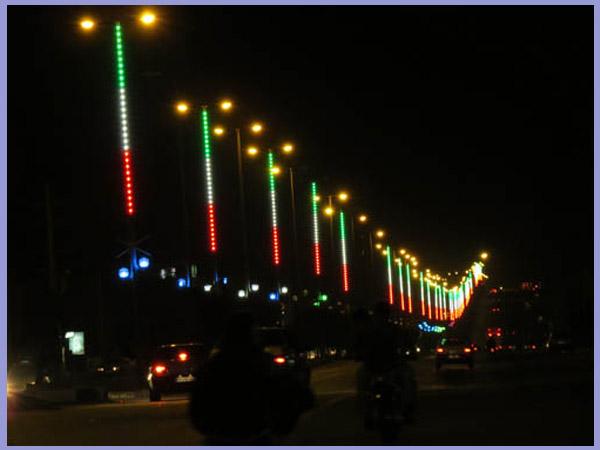 نورپردازی خیابان توسط والواشر پرچمی