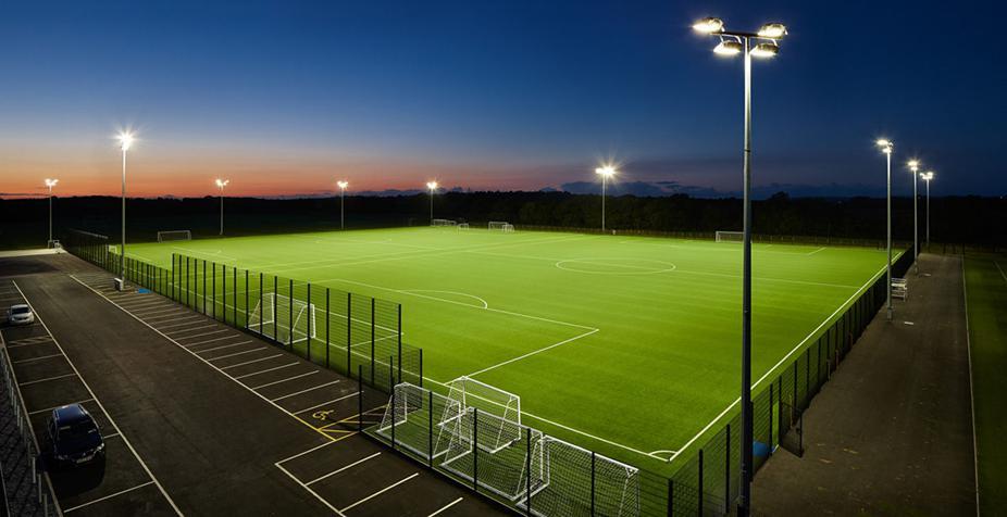 روشنایی ورزشگاه با پروژکتور LED