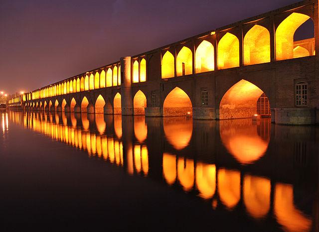 نورپردازی بنای تاریخی